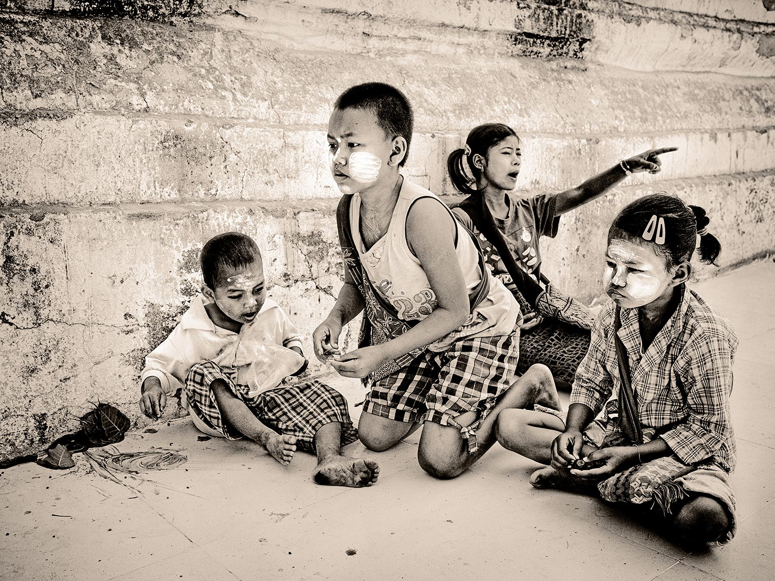 myanmar playing kids