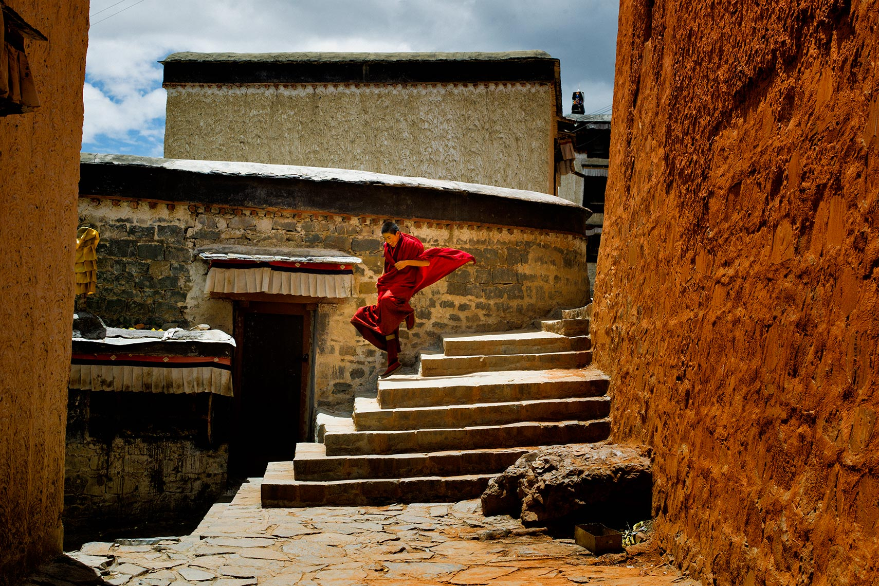 tibet flying monk